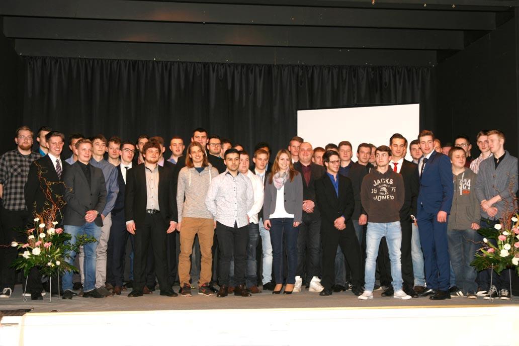 Gruppenfoto Freisprechung der Metallbauer Westholstein 2016 - Ausbildung im Metallbau Handwerk - gut in die Zukunft starten!