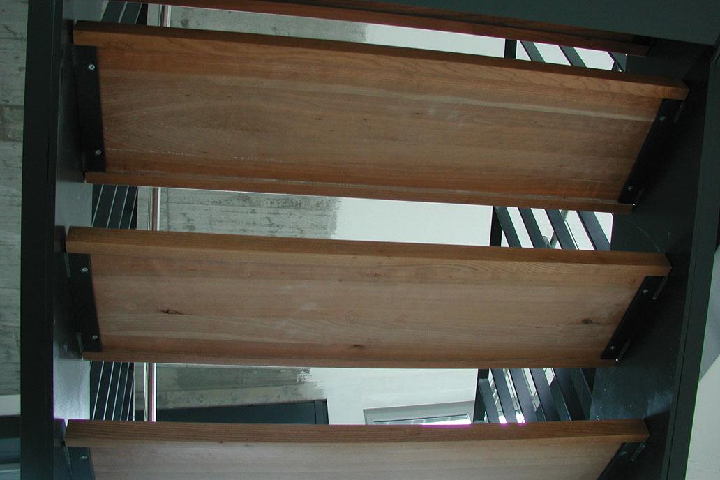 Treppenwangen Metall Holzstufen Stahlbau Metallbau