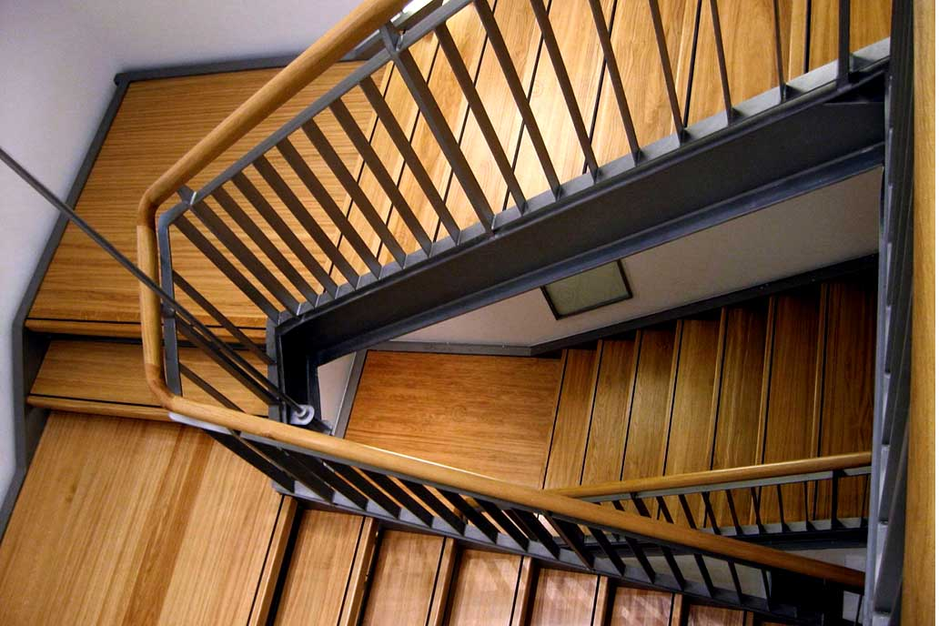 Treppe Stahl Metall Holz