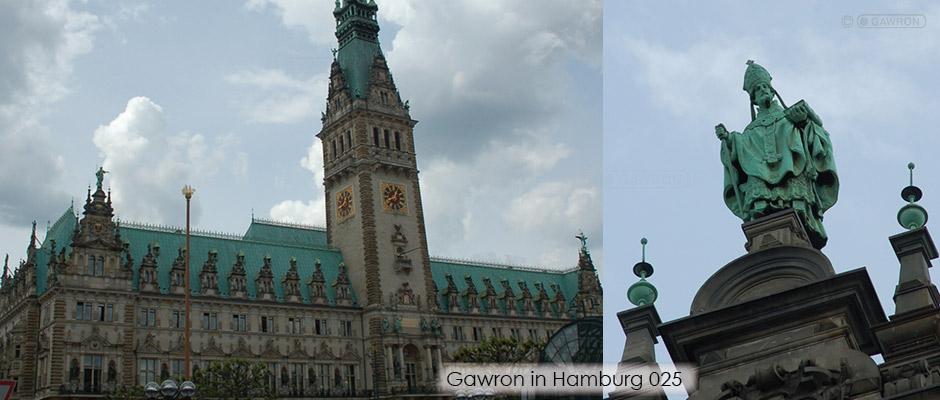 Sanierte Nikolausfigur auf dem Hamburger Rathaus