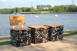 Ein Gabionenhocker Bausatz, wir liefern das metall, Sie suchen sich Füllung und Holz aus.
