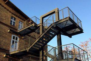 Stahlbau und Metallbau: ein Treppenturm