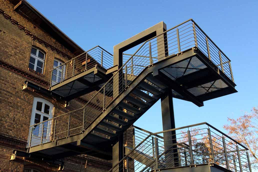 Stahl- und Metallbau: Treppenturm