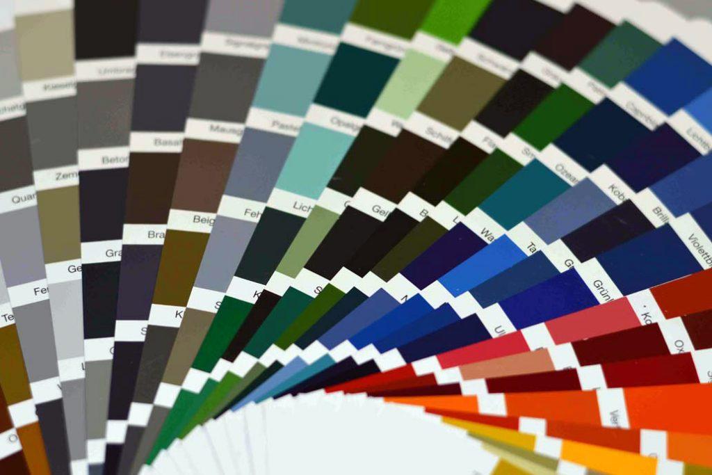 RAL®-Farben für die Beschichtung von Zäunen, Toren, Türen, Treppen, Balkonen und Geländern.