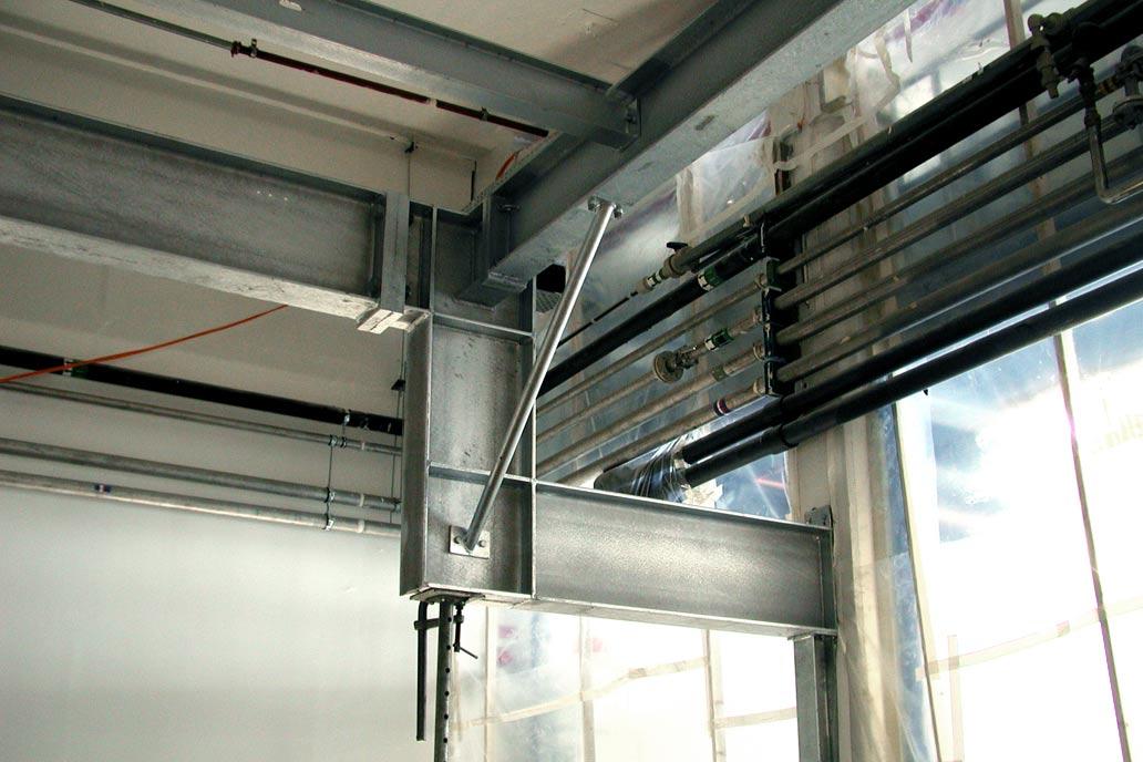 Stahlbau Unterkonstruktion mit HV-Anschluss