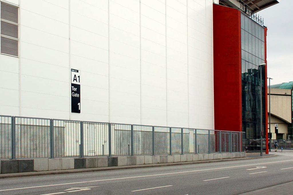 Sicherheitszaun am Messegelände in Hamburg.
